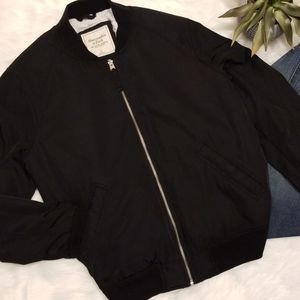 ABERCROMBIE & FITCH BLACK BOMBER JACKET SIZE L